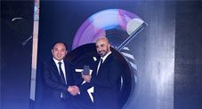 OPPO Unveils Classic Black F1s Selfie Expert In collaboration with HSY
