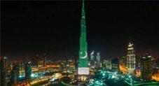 دبئی: برج الخلیفہ پاکستانی پرچم کے رنگ کی روشنیوں سے جگمگا اٹھا