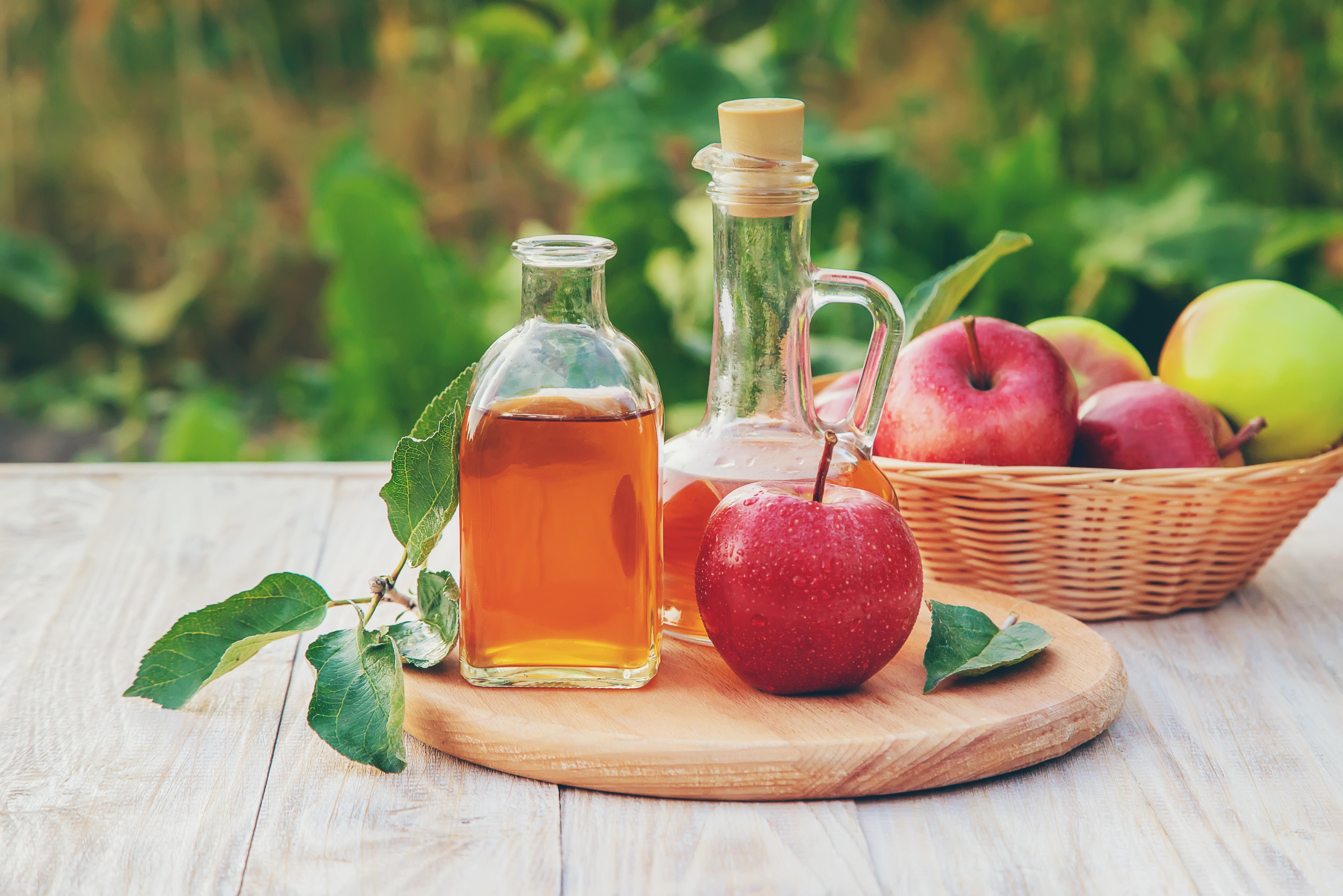 سیب کا سرکہ کیسے آپ کے وزن میں کمی لاسکتا ہے؟ جانیں 5 اہم وجویات