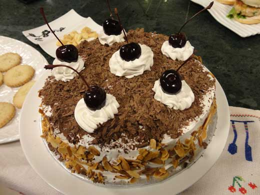 Chocolate Cake Recipe In Urdu Pakistan: Black Forest Cake Recipe By Shireen Anwar