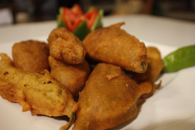 Stuffed mirch pakora recipe by zubaida tariq recipes in urdu click thecheapjerseys Choice Image
