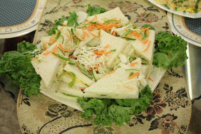Russian Salad Sandwiches Recipe By Chef Sanjeev Kapoor Urdu Recipes