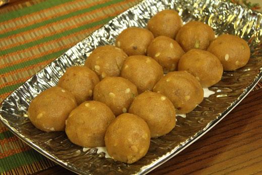 Basin Ke Laddoo Recipe By Zubaida Tariq Cook With