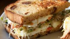 پنیر سینڈوچ