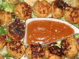 چکن فرائیڈ کباب ود بنانا گرین چلی چٹنی